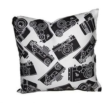 GRAPHIC CAMERA PILLOW - THE GRECO - PRPL004