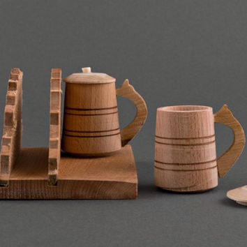 Wooden stand for napkins, salt-cellar and pepper-shaker