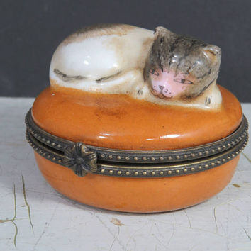 Vintage Cat Dish, Hinge Lid, Porcelain Ring, Pin, Jewelry, Trinket, Keepsake Box, Cat Lover Gift