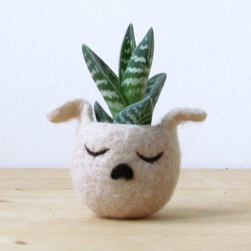 Felt succulent planter / dog planter / cactus planter  / beige puppy vase/ Mother day gift / Dog lover gift - Choose your color!