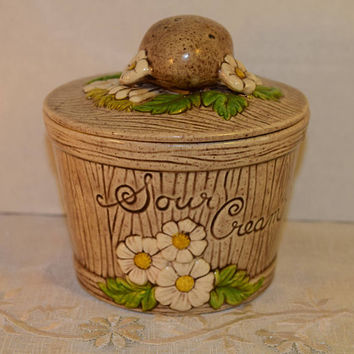 Ceramic Sour Cream Dish Vintage Potato Spud & Daisies Jar Crock 1970s Retro Kitchen Storage Container Kitschy Hostess Gift Farmhouse Decor