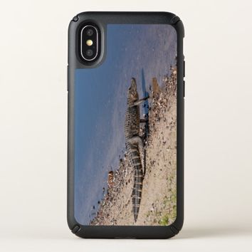 Florida alligator walking to the lake speck iPhone x case