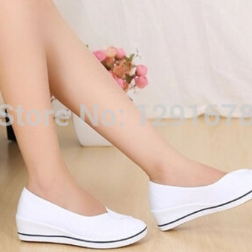 Free shipping New 2015 nurse Shoes white&black slope with Shoes salons Nurse hotel work Shoes BOX094