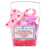The Love Box Bath Gift Set