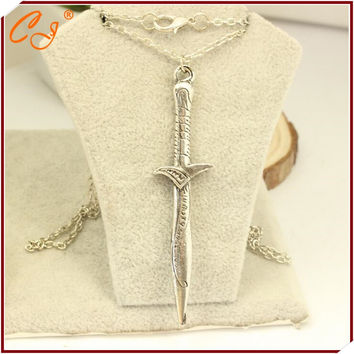 The Lord of the ring the hobbit stab sword pendant necklace