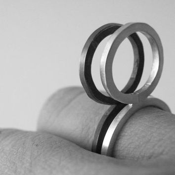 Geometric Circle Ring Minimalist Ring Sterling Silver Oxidized Silver Statement Ring Modern Jewelry by SteamyLab