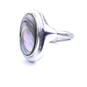 Vintage Abalone Ring - Silver Tone Oval Seashell Ring / Under the Sea