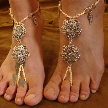 Bridal Barefoot Sandals, flowers & leaves, Natural Strawberry Quartz Beads, Macrame Anklet toe ring, Beach Summer hippie gypsy boho, wedding