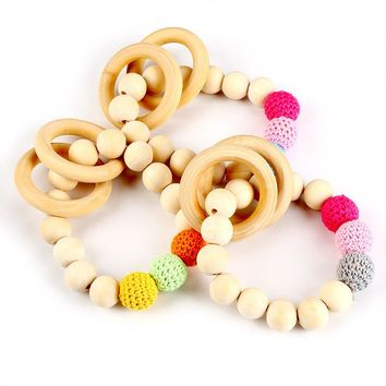 2017 New 1PC Teething Natural Round Wood Bracelet Baby Newborn Mom Kids Wooden Teether Toy zl704