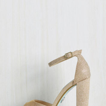 Stay on Pointe Metallic Heel in Gold | Mod Retro Vintage Heels | ModCloth.com