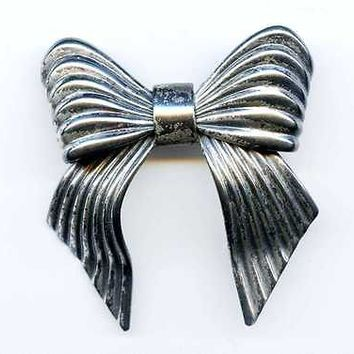 Vintage 1940s Napier BOW Silver Brooch Pin 3D