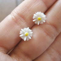 Daisy Stud Earrings Ear Post Tiny Little White Flower Sunflower Sun Flower 7mm