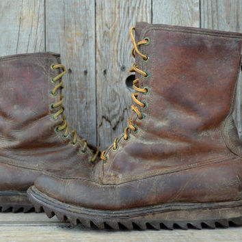 Vintage 1950's Distressed Gold Bond American Work Wear Moc Toe Leather Work Boots, size 9