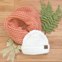 White Tahoe Knit CC Beanie Gift Set in Apricot