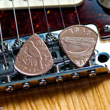 Coin Guitar Pick Set - Ireland & New Zealand Copper Pennies
