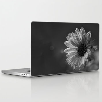 "Laptop Skin for MacBook Air/ Pro/ Retina 11"" 13"" 15"" 17"" and PC Laptops 13"" 15"" 17"" - Floral Design Decal - Daisy - Black and White"
