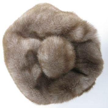 Faux Fur Vintage Pom Pom Hat - 1960s 1970s - Faux Fur Beret - Seventies Clothing - Sixties Clothing - Hipster Clothing - Hippy Clothing