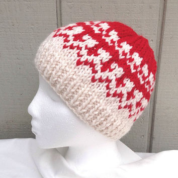Knit Fair Isle hat - Womens accessories - Red knitted hat - Chunky wool hat - Christmas beanie