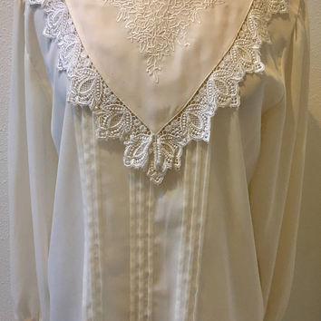 Off White Victorian Style High Neck V Shaped Lace Edging Bib Front Blouse by Karen Scott Ladies Size 12