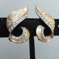 Signed BOUCHER Gold Tone Curved Ribbon Rhinestone Pave Vintage Earrings