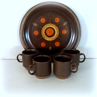 VINTAGE MID CENTURY Round Platter and 4 Coffee Mugs - Fabulous Georges Briard Aztec Patten Stoneware - Dinnerware - Chop Plate & Flat Cups