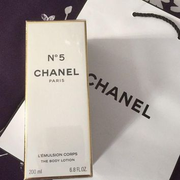 Chanel No 5 The Body Lotion 200ml With Gift Bag Brand New Sealed