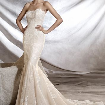 Pronovias Orinoco Strapless Tulle & Lace Mermaid Gown (In Stores Only) | Nordstrom