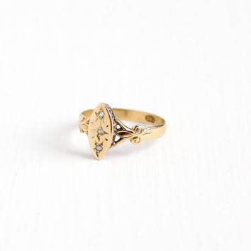 Antique 18k Rosy Yellow Gold Rose Cut Diamond Navette Ring - Vintage Early 1900s Size 9 Edwardian Three Stone Star Incised Fine Jewelry