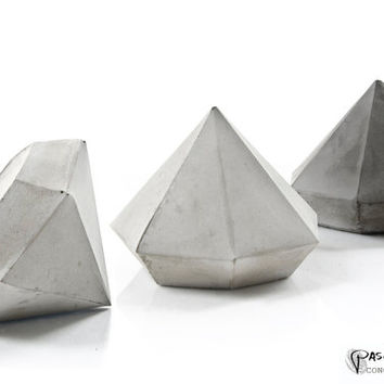 Concrete diamond, free uk shipping, large Cement Diamond, paperweight, geometric cement home decor, handcrafted diamond beton sculptures