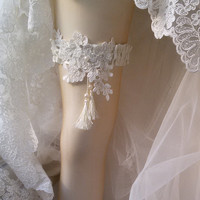 Wedding leg garter, Wedding Leg Belt, Rustic Wedding Garter,  Bridal Garter , Of white Lace, Lace Garters,  ,Wedding  Accessory,