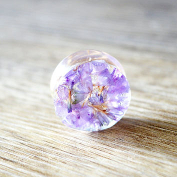 real flowers resin plugs real flower Gauges Plugs Gauge Plug Earrings ear plug natural plugs purple gauge plug flower ear tunnel floral Plug