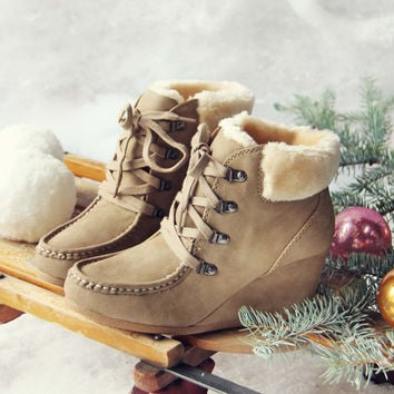 Toboggan Cozy Booties