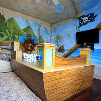 Treasure Cove Pirate Bed and Mural
