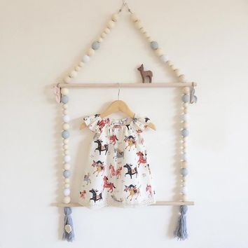 High Quality Nordic Style Lovely Wooden Bead Tassel Clothes Kids Room Wall Hanger Decoration