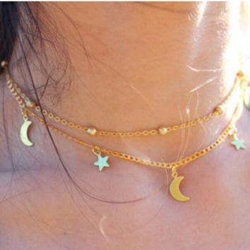 ONETOW Multi-layer simple and elegant luggage moon star necklace