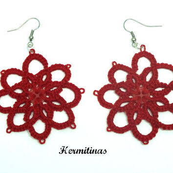Red tatted earrings, 8 petals flowers tatted lace earrings, red flower tatting earrings, flower with button  tatting earrings, lace earrings
