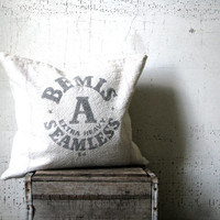 feed sack -- grainsack -- seed sack -- pillow cover -- rustic decor -- grainsack pillow