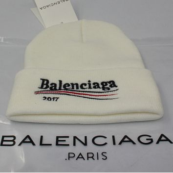 Balenciaga men and women winter warm big embroidery wild wool hat Beige