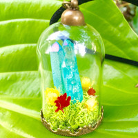 Crystal Terrarium Necklace, Blue Quartz Point, Real Moss, Flower Terrarium, Quartz Necklace, Miniature Terrarium, Blue Crystal, Colorful