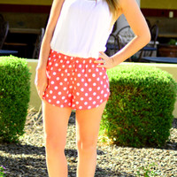 POLKA DOT SHORTS IN CORAL