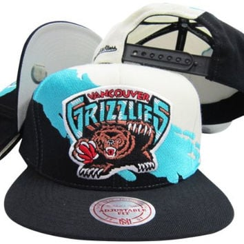 Vancouver Grizzlies Snapback Adjustable Plastic Snap Mitchell & Ness Hat / Cap
