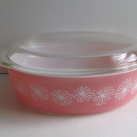 2 1/2 Qt Pyrex Covered Caserole Dish Pink Pyrex Daisy Covered Casserole Dish Mid Century Glass Baking Dish Pink Kitchen Decor Pyrex Pink