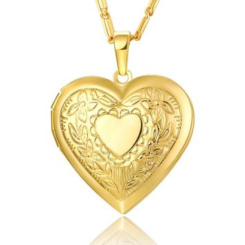 BRZHA Heart-shaped Necklace and Pendant Lover Jewelery Valentine's Day Gift Gilded Romantic Fancy Photo Box
