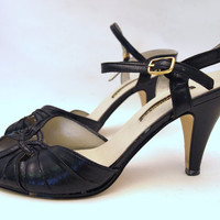 Vintage Retro 50s 60s Size 7 Sexy Strappy Peep Toe Stiletto Pumps Black Leather High Heel Sandals Dancing Shoes Salsa Prom Pin Up Mad Men