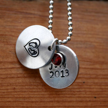 Personalized New Mom Locket Necklace with by KennabelleDesigns