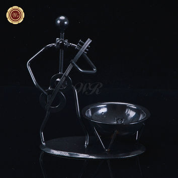 WR Metal Violin Player Cigar Ashtray Desk Ornaments Creative Standing Ashtray Christmas Hoem Decor New Year Gift Valentine Ideas