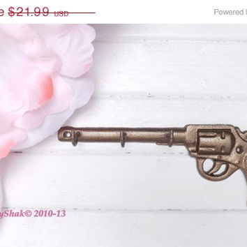 HOLIDAY SALE Key Hanger / Pistol Key Hook / Decorative Key Hook / Western Wall Decor / Bronze / Gun Key Holder / Shabby Chic Decor