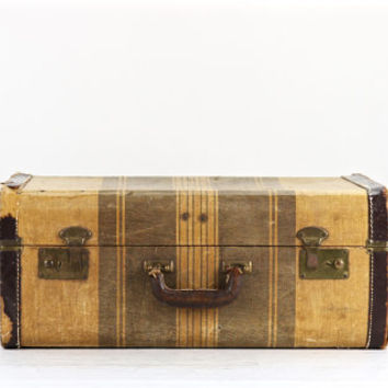 Best Brown Vintage Suitcase Products on Wanelo