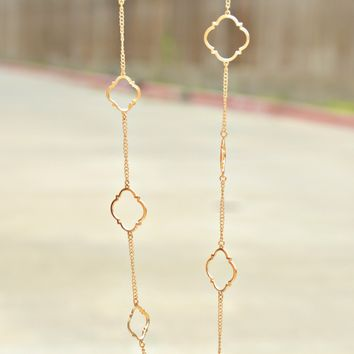 Touch Of Chic Necklace - Gold
