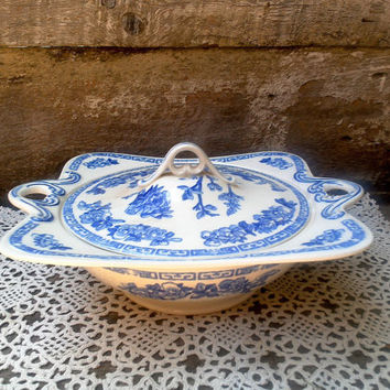 Antique Tureen, Blue and White Transerware, John Maddock and Sons Royal Vitreous, Covered TUREEN/BOWL, Ironstone, English, Square/Round